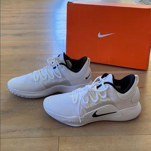 Nike hyperdunk 2018 never worn